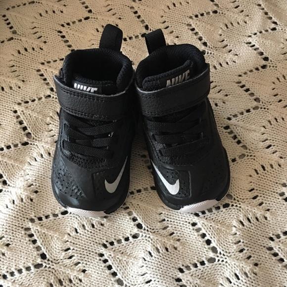 cc56f206bd6 Nike Team Hustle D7 infant size 2. M 5aaf1c41d39ca2e1fbaae8d4